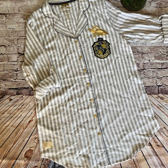 8ab91904f Harry Potter Intimates & Sleepwear | Nwt Hufflepuff Nightshirt ...